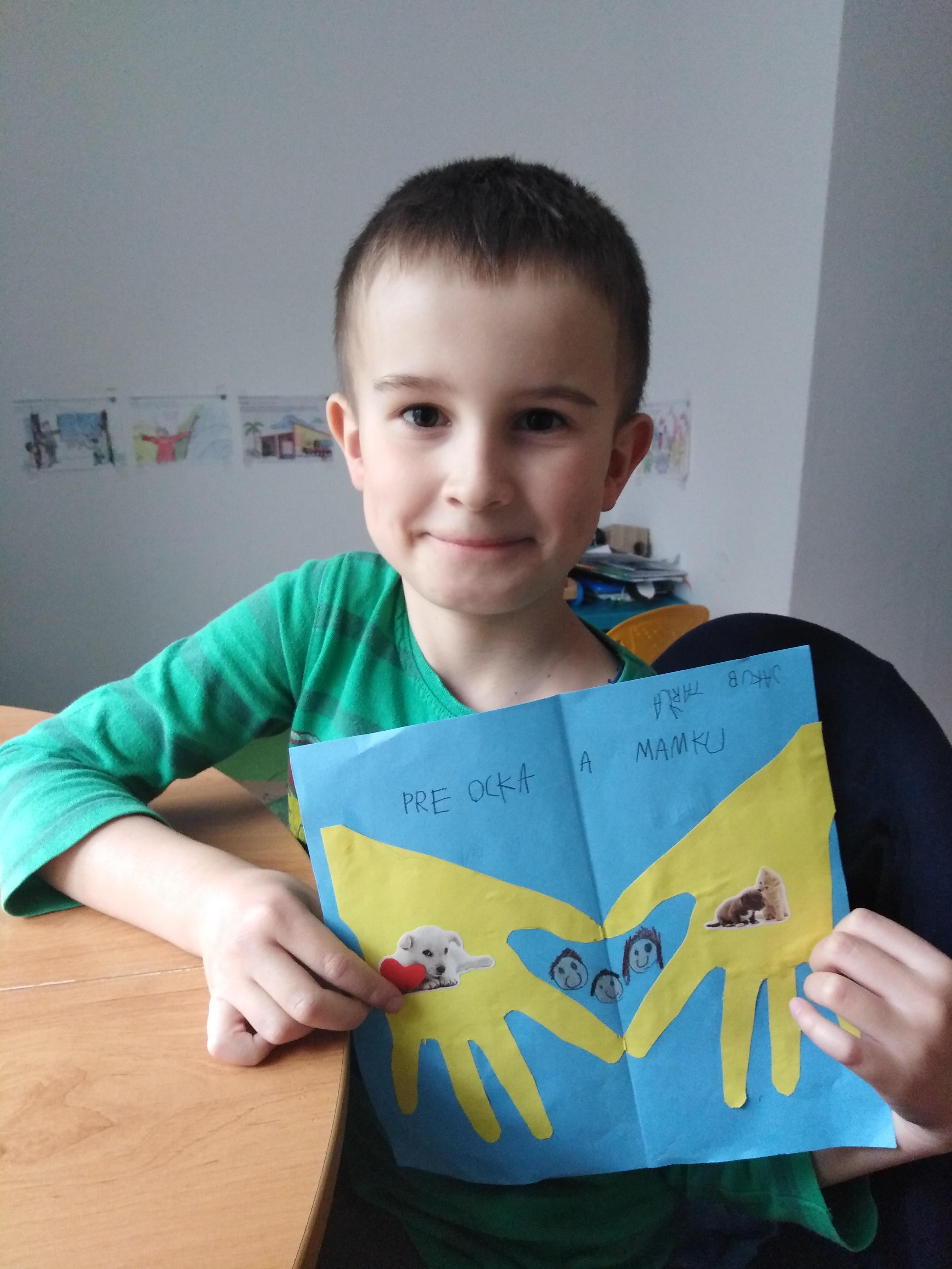 Ďakujeme Jakubkovi z triedy SNEŽIENKY za krásny darček, ktorý vyrobil nielen pre mamku, ale aj pre ocka